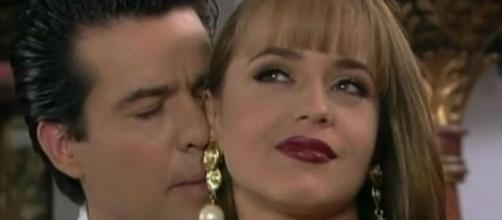 Paola irá fugir com Douglas Maldonado (Foto: Reprodução/Televisa)