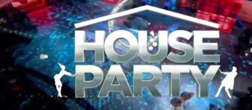 Replica House Party Canale 5 prima puntata mercoledì 14 dicembre 2016