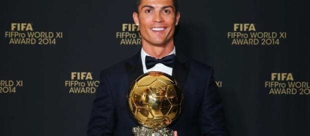Cristiano Ronaldo fatura mais uma Bola de Ouro
