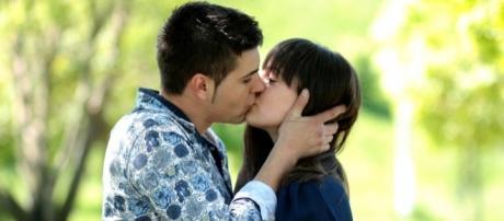 Beijar ajuda no combate a depressão