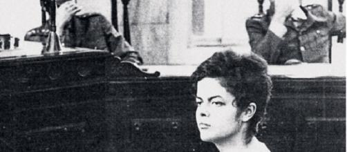 Dilma Rousseff em interrogatório durante a ditadura militar /Foto: Reprodução.