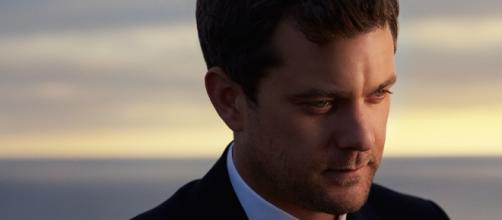 Joshua Jackson Discusses Past and Present Style For Mr Porter | TV ... - tvatemywardrobe.com
