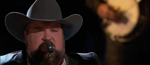 'The Voice' finalist Sundance Head hit number one on the iTunes chart with 'Darlin' Don't Go.' The Voice/YouTube
