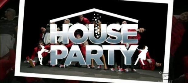 """House Party, la tv adesso si fa """"a casa"""" dei Vip - La Stampa - lastampa.it"""