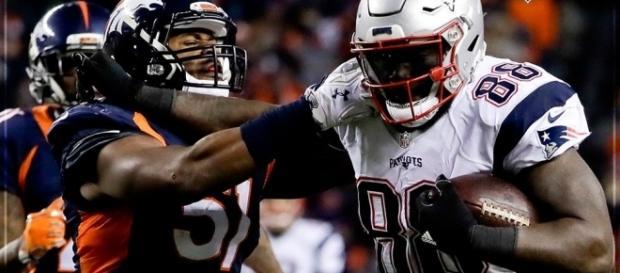 Patriots e Broncos se enfrentaram na semana 15 da NFL (Foto: Reprodução/Twitter NFLBrasil)