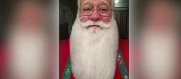 Tennessee's Kris Kringle has a full beard to cover the darkness / Photo by Eric Schmitt-Matzen, Facebook, Blasting News library