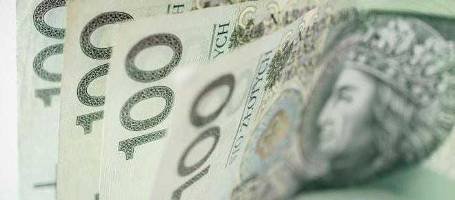 Pieniądze z programu Rodzina 500 Plus realnie obniżają poziom biedy