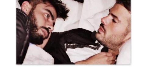 Bacio gay tra Mario e Claudio a Uomini e Donne