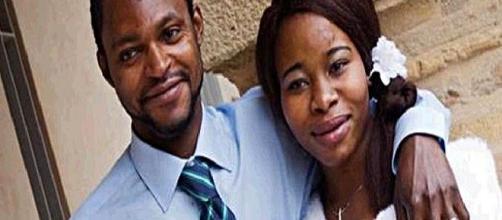 Emmanuel Chidi Nnamdi insieme a sua moglie Chyniere.