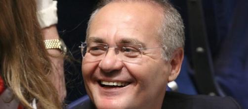 "Renan Calheiros brinca com sobrenome ""Veloso"""