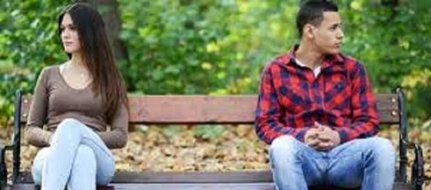 Aprenda a entender os sinais para saber se ele está atraído por você