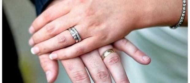 Homem confundiu a esposa com outra mulher