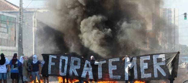 Protestos fervem no ambiente caótico do país