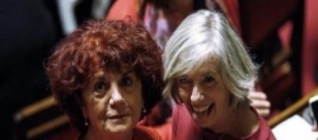 Ultime news scuola, giovedì 15 dicembre 2016: Valeria Fedeli abbraccia Stefania Giannini