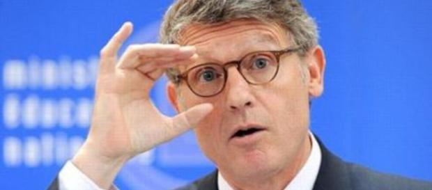 Vincent Peillon, les électrices seraient sensibles à son charme Closermag.fr - closermag.fr