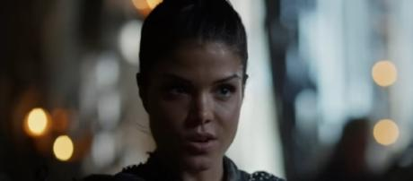 Octavia is the 'Sky Ripper' in season 4 of 'The 100' - Image via The CW Television Network/Photo Screencap via The CW/YouTube.com