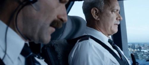 Aaron Eckhart e Tom Hanks formam a dupla de pilotos responsável pelo pouso sobre o rio. (divulgação)