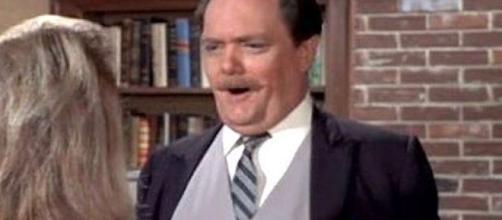 Bernard Fox, 'Bewitched' and 'Titanic' Actor Dies at 89 - San ... - mysanantonio.com