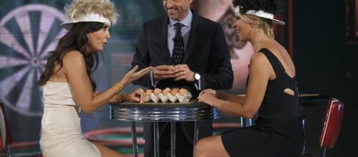 Canale 5, House Party: nuovo show con Maria De Filippi e Sabrina ... - cinquequotidiano.it