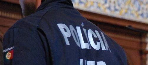 Polícia da Unidade Especial de Polícia, actua sempre pela força da unidade