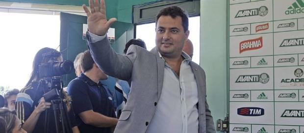 Alexandre Mattos é apresentado no Palmeiras