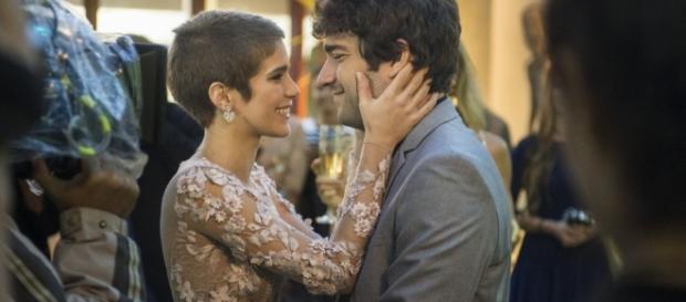 Após recaída, Tiago pede Letícia em namoro em 'A Lei do Amor'