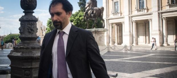 Arrestato Raffaelle Marra: il fedelissimo della Raggi in manette ... - romatoday.it