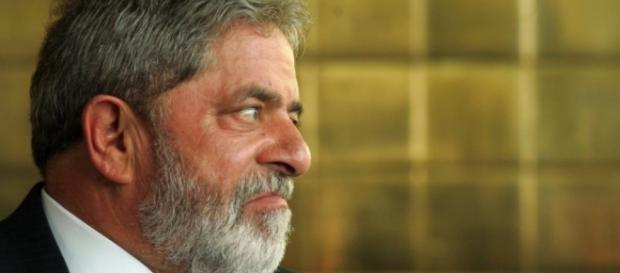 Lula é acusado de corrupção pelo MPF