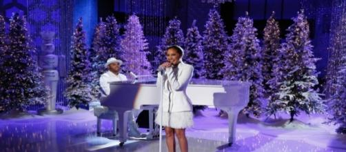Adrienne And Israel Houghton Perform Their First Married Duet - Blasting News Library - madamenoire.com