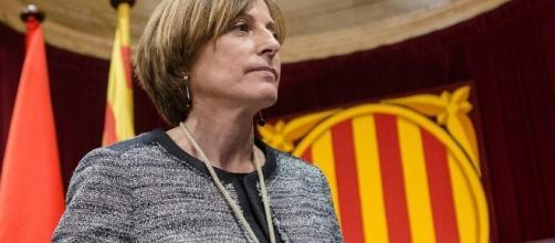 Carme Forcadell, Presidenta del Parlamento catalán, juzgada hoy y que empieza a tener solidaridad internacional.