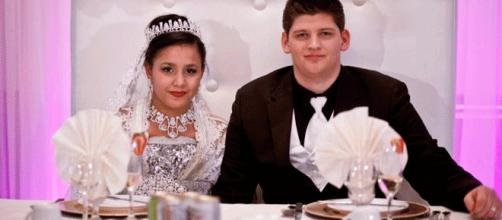 L'image est issue d'une émission de télé-réalité canadienne (My Teen-Age Wedding) et ne représente pas le couple tunisien