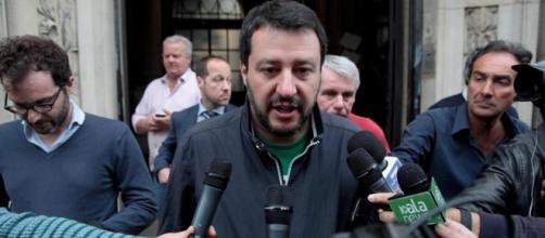 Salvini chiede le dimissioni di Virginia Raggi