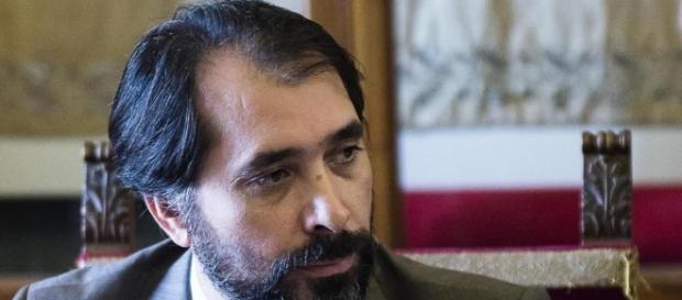Corruzione, arrestato il fedelissimo della Raggi Raffaele Marra ... - lastampa.it