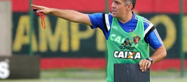 Eduardo começou a carreira de treinador no Sport