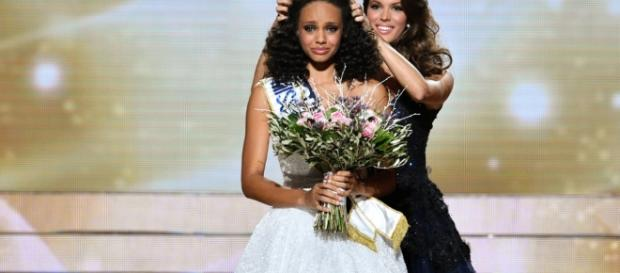 Miss Guyane, Alicia Aylies, est sacrée Miss France 2017 ! - La ... - leparisien.fr