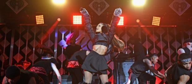 Performance de Ariana Grande no Jingle Balls 2016