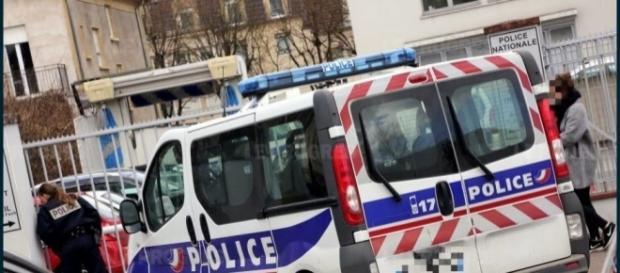 Un enfant de 5 ans retrouvé mort dans le coffre de la voiture de son père