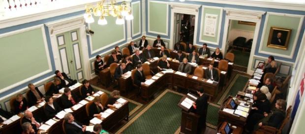 Un' immagine dell' Althing, il parlamento islandese durante una seduta. Fonte: icelandnews.is