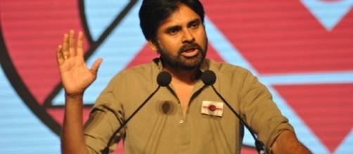 pawan kalyan in a meeting ( Image credits : saddahaq)