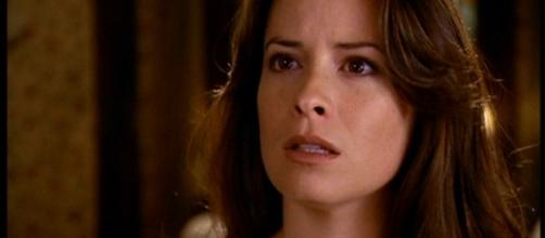 Piper se dresse de nouveau face à son destin. (via Charmed Wikia - Holly M. Combs)
