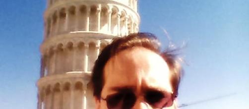 Selfie en la torre de Pisa, Italia