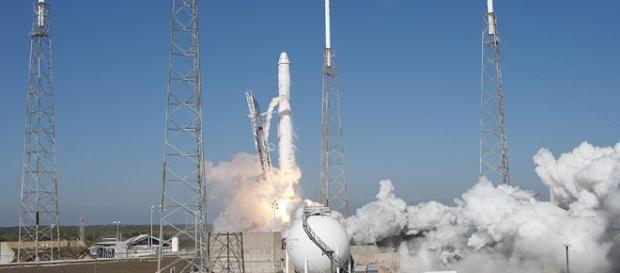 Falcon 9 liftoff courtesy NASA