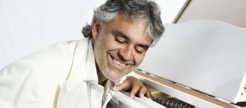 Andrea Bocelli è guarito dalla sua dipendenza dal sesso grazie alla seconda moglie.