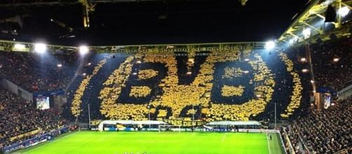 B. Dortmund recebe Augsburg na condição de favorito