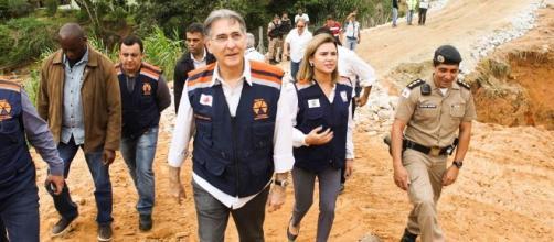 Pimentel visita região afetada pela chuva o km 5 da LMG-806 em Ribeirão das Neves que da acesso a Justinópolis.