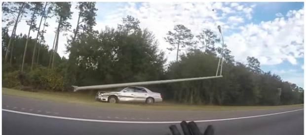 Homem seguia em carro desgovernado