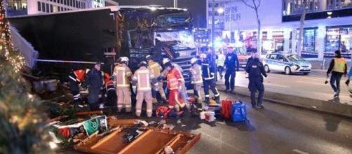 Le camion polonais aurait été pris d'assaut par un djihadiste avant de foncer sur la foule d'un marché de Noël à Berlin