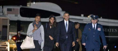 Obama family goes to Hawaii on Christmas vacation - Photo: Blasting News Library - dailymail.co.uk