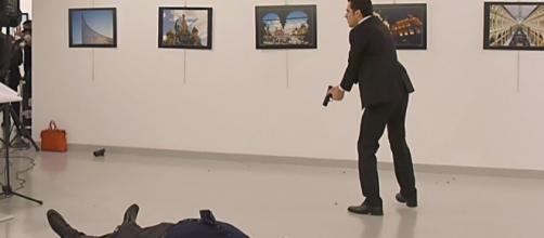 Turchia, ad Ankara ucciso l'ambasciatore russo - FOTO e VIDEO ... - panorama.it