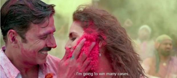 Akshay Kumar and Huma Khureshi in Jolly llb (Youtube screen grab)